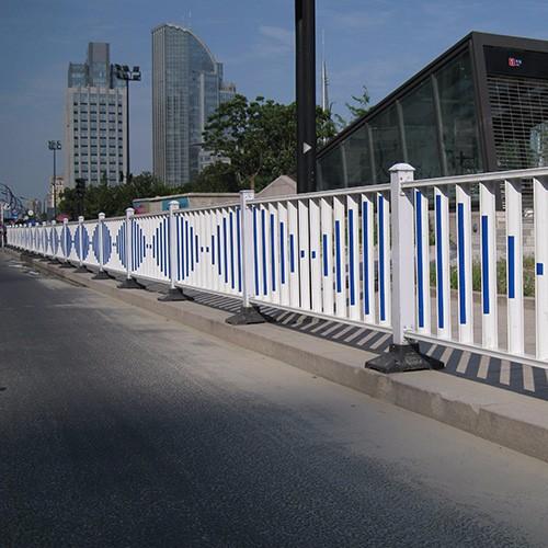 雷竞技电竞平台钢护栏安装