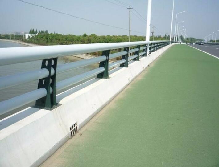 云南什么是桥梁用的钢护栏?